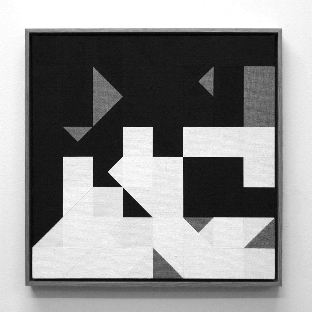 Tom Hackney: Chess Painting No. 64 (Duchamp vs. Znosko-Borovsky, Paris, 1929) (2015). 42 x 42 cm. Gesso on linen, oak frame. Image courtesy of the artist.