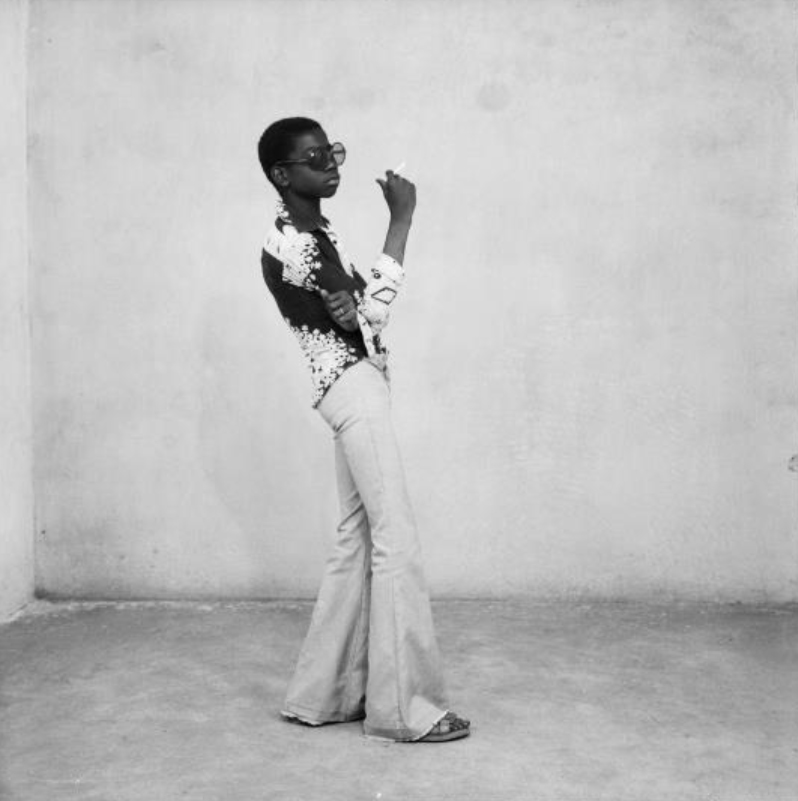 Malick Sidibé: A Yé-yé posing,1963.© Malick Sidibé. Courtesy Fifty One Fine Art Photography, Antwerp.