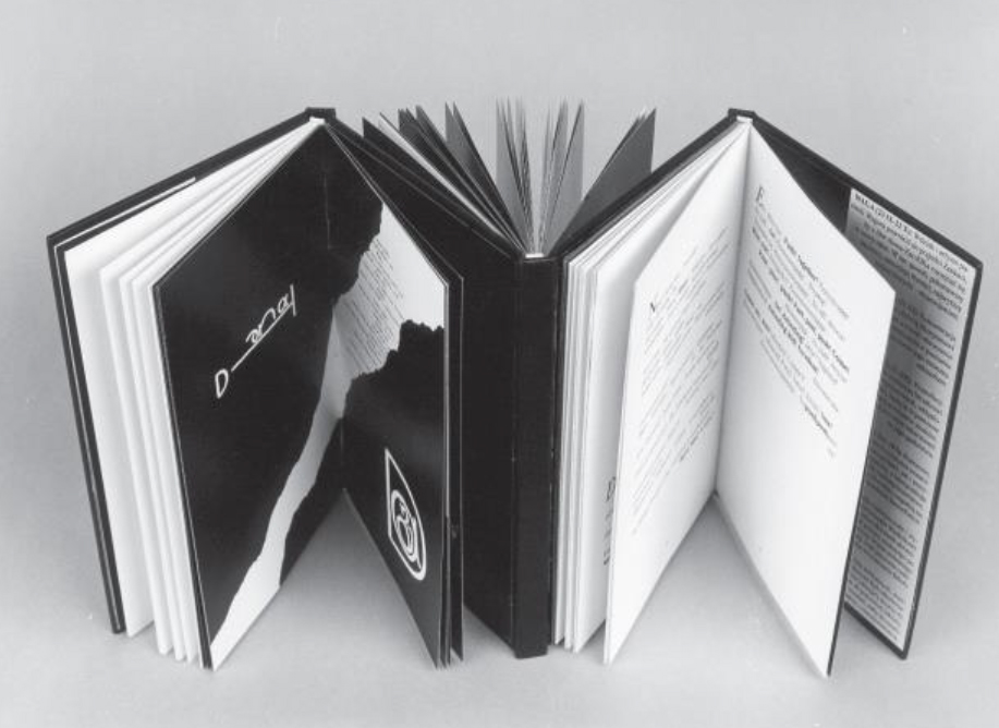 Zenon Fajfer and Katarzyna Bazarnik: Oka-leczenie (2000). Paper and board bound into three spines. Image courtesy of the artists.