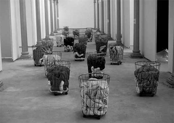 Gülsün Karamustafa: Mystic Transport, 1992. Installation view, courtesy of the artist.